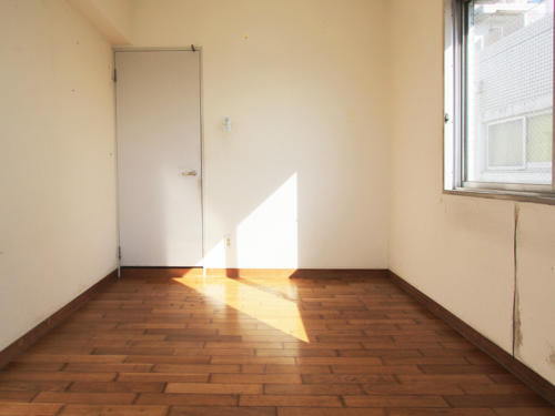 程よく日の光が降り注ぐお部屋。