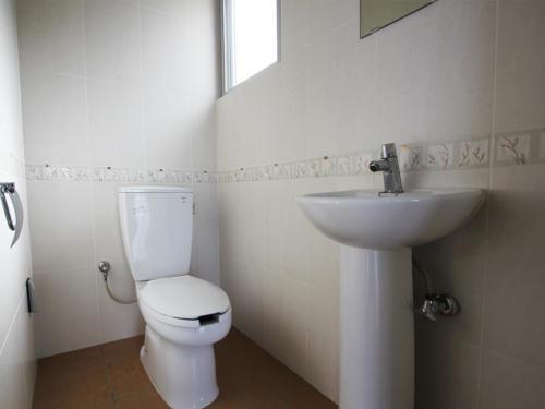 もう一つのお手洗いはコンパクトかつシンプルに。