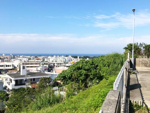 高台の立地なだけに景色を遮る建物はございません。