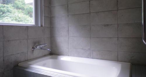 バスルームの壁だってコンクリートにしちゃいます!