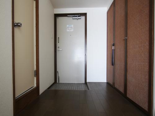 左がバスルーム、右がクローゼット!