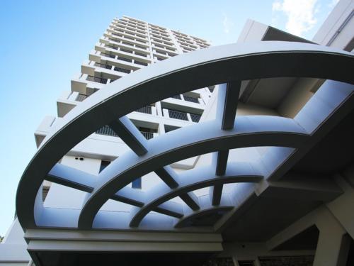 建物を見るだけでワクワクする、インパクトある造りの外観。